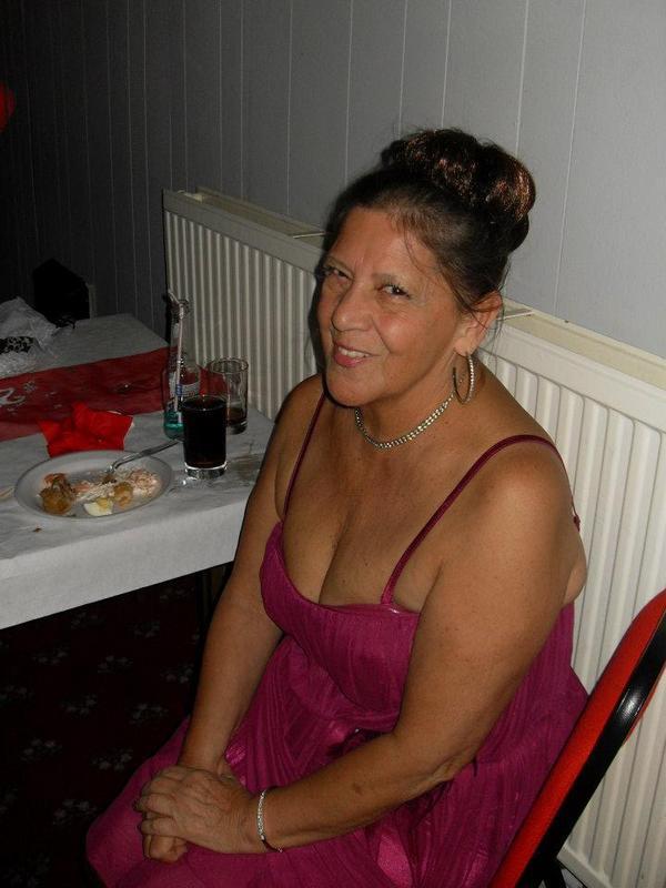 cuteteddy8, 73, from Milton Keynes is a local granny