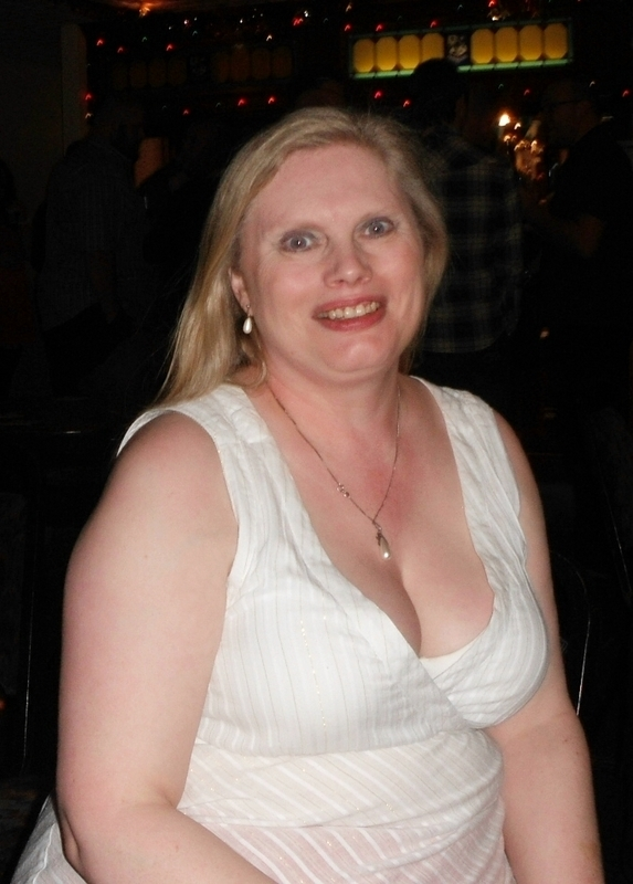 maxhotmum1968, 50, from Doncaster is a local granny