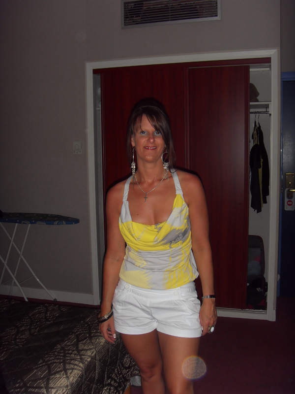 iamme06, 40, from Redditch is a Local Milf, looking for a